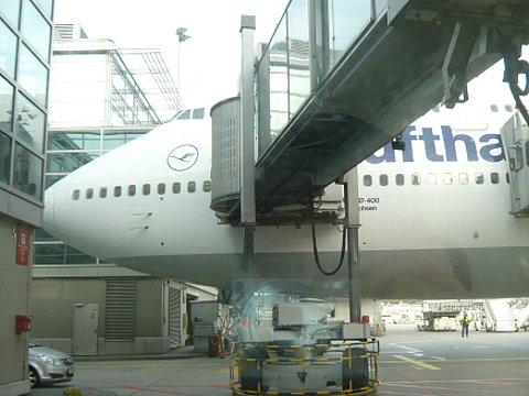 Lufthansa091122.jpg